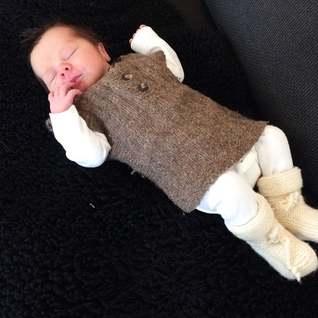 Lille P tar dagens første morfar ❤️